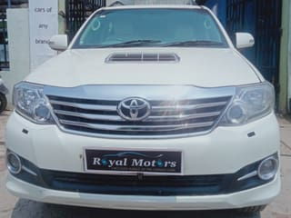Toyota Fortuner 4x2 Manual