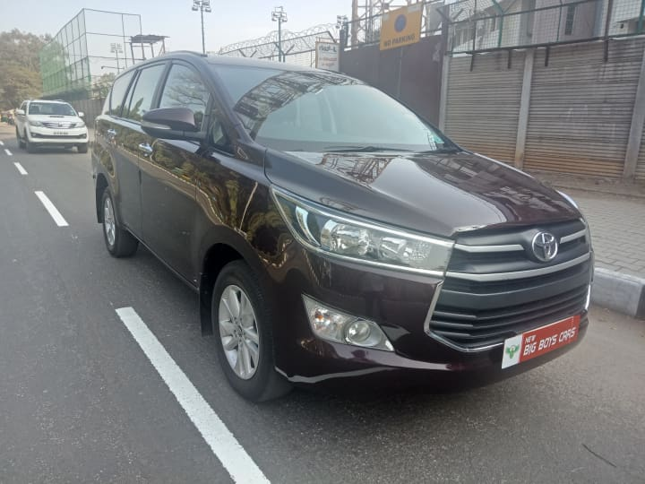 Toyota Innova Crysta 2.4 GX MT 8S