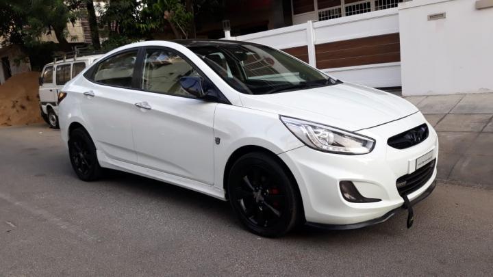 Hyundai Verna SX CRDi AT