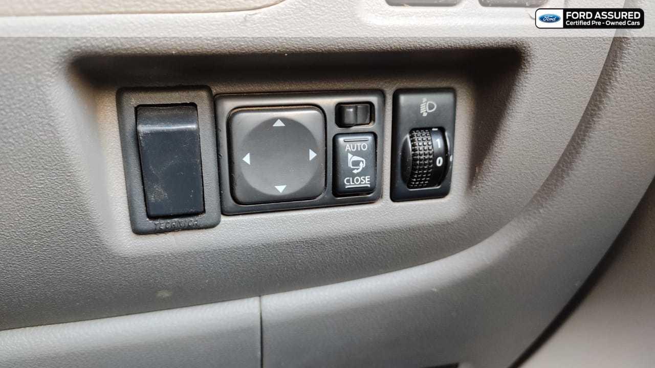 Nissan Micra 2010-2012 Diesel XV Premium